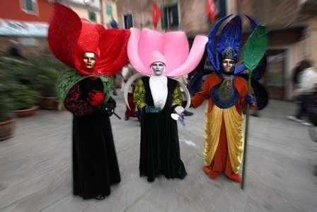 concorsoFotograficoCarnevaleDolo2011_3classificatoFioriEfogliaSandonaGiovanniBattista.JPG