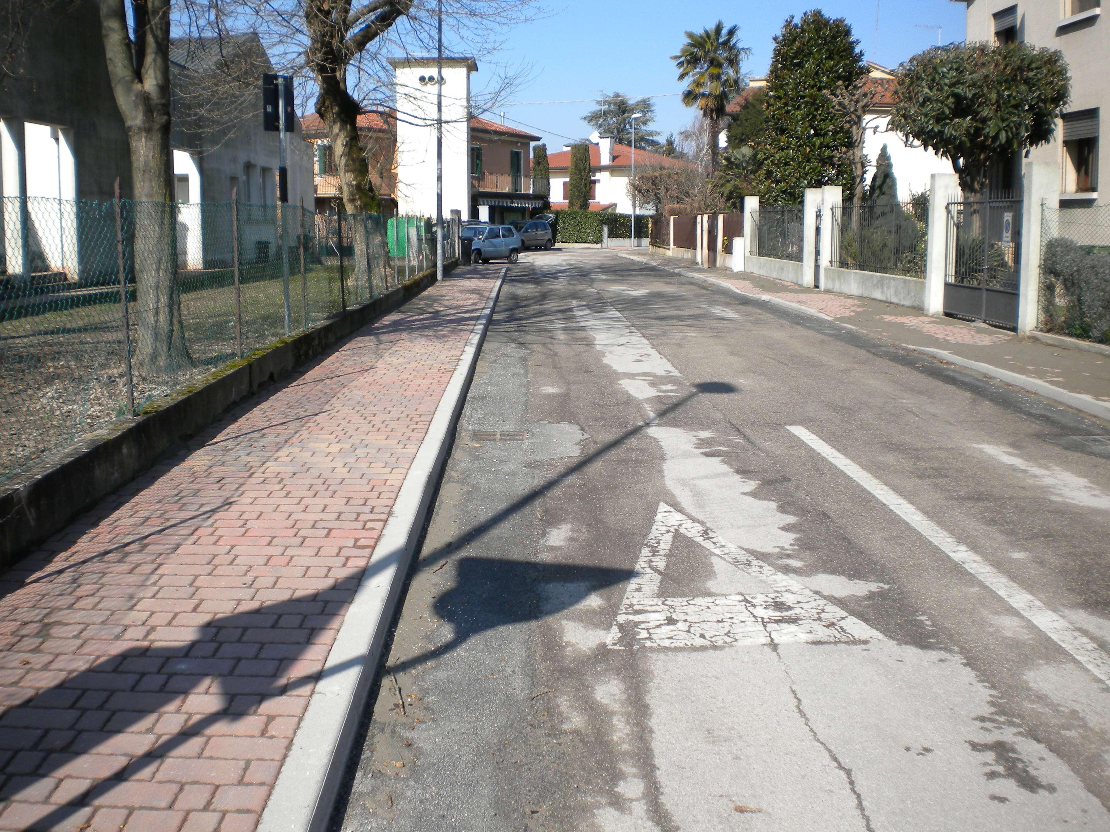 FotoFineLavori2011ViaCanalettoFlliCervi1.jpg